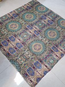 فروش عمده شال و روسری در اصفهان