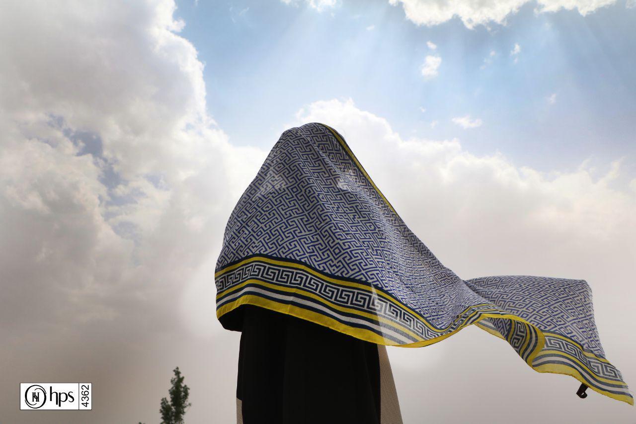 پخش عمده شال و روسری در مشهد