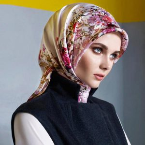 روسری aker