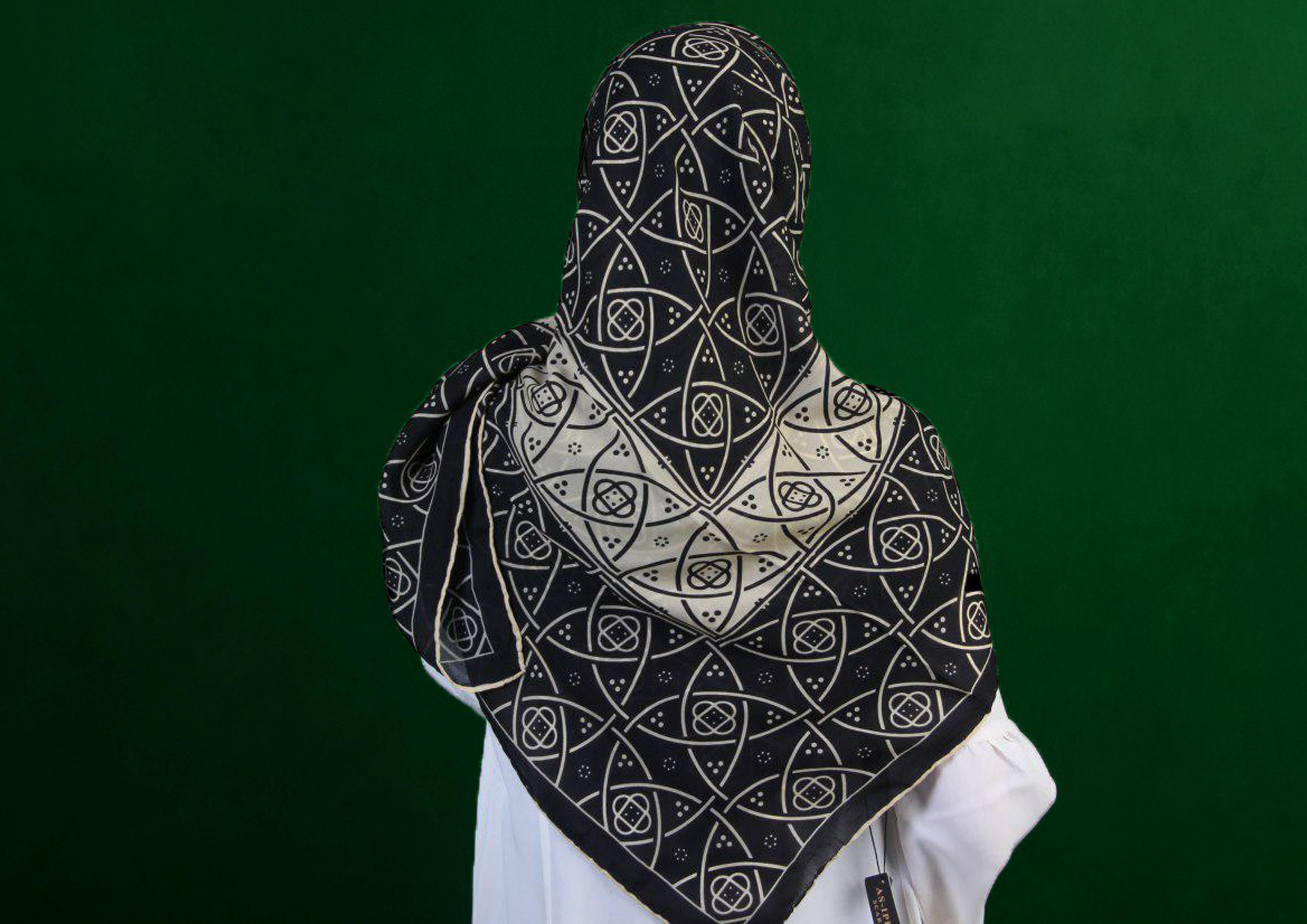 روسری کرپ حریر مشکی